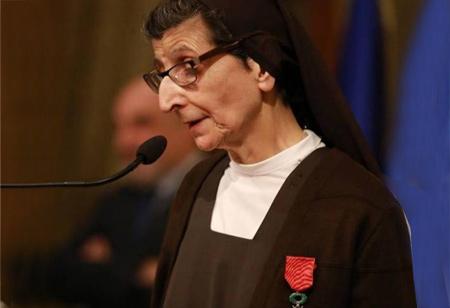 « La religieuse à la Vespa » dans la Légion d'honneur